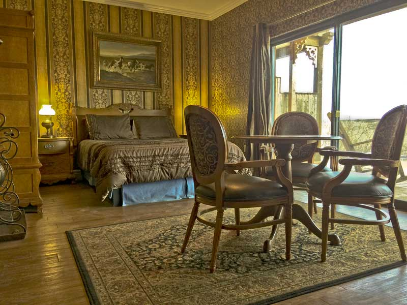 Premium Suite at Tombstone Monument Ranch